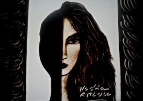 Portrait sur Sable Nadia Amlou